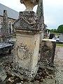 Église Saint-Jean de Lamberville - Pierre tombale du cimetière.JPG