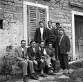 Člani ekipe s tov. Zmagom Furlaničem, poštnim uradnikom v Dekanih 1949.jpg