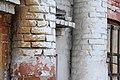 Колонны в оформлении фасада Первой плавильной фабрики, Барнаул.jpg