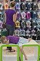 عکس از خرید کردن خانم ها (مادر-کودک) و سر رفتن حوصله کودک- دبی مال.jpg