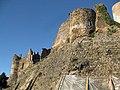 017 Castell de Montsoriu, mur sud-est.jpg