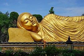 025 Head and Shoulders of Buddha (38656053220).jpg