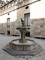 027 Generalitat de Catalunya, font del pati dels Tarongers.JPG