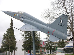 10577 Northrop F-5A pole-mounted in the city at the Ekthesiako Kentro Lamias.jpg