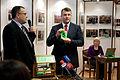 11.Saeimas vēlēšanām reģistrēto deputātu kandidātu sarakstu numuru izloze (6058496983).jpg