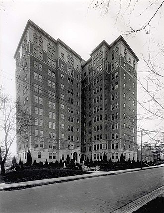 Commodore Apartment Building (Louisville, Kentucky) - Image: 1928Exterior