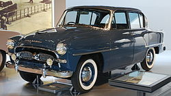 1955 Toyopet Crown 03.jpg