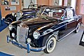 1960 Mercedes-Benz 220 SE Coupe, Fox Classic Car Collection, 2008.JPG