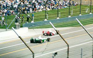 2002 Indianapolis 500 - Gil de Ferran loses a wheel.
