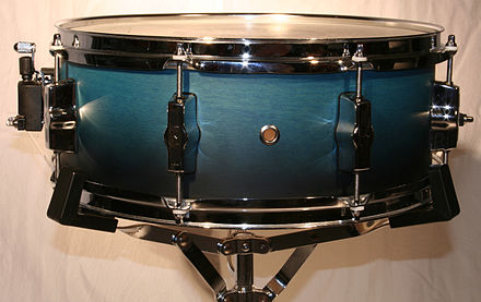 Snare drum on a modern light-duty snare drum stand 2006-07-06 snare 14.jpg