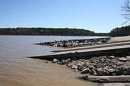 2008-03-09 Falls Lake boat ramp.jpg