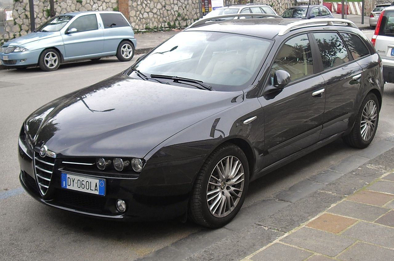 file 2010 alfa romeo 159 1750 tbi front jpg wikimedia commons. Black Bedroom Furniture Sets. Home Design Ideas