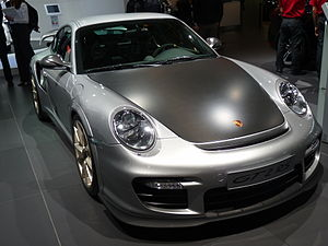 English: A Porsche 911 GT2 RS at the Paris Mot...