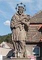 2017 Rzeźba św. Jana Nepomucena w Szczytnej 2.jpg