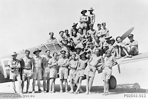 No. 3 Squadron RAAF - No. 3 Squadron ground crew in front of a P-40 in 1942