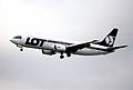 95cp - LOT Polish Airlines Boeing 737-45D; SP-LLG@LHR;01.06.2000 (5276882232).jpg