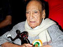A K Hangal at 14th Hira Manik Awards.jpg