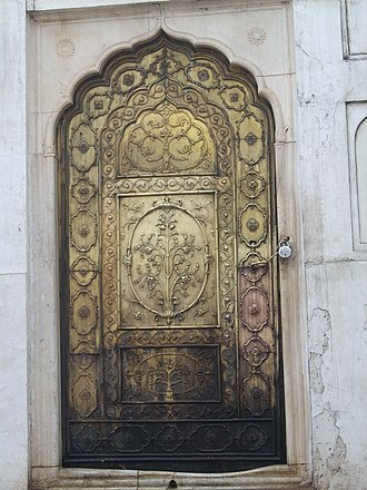 Moti Masjid (Red Fort) - Image: A door in Red Fort of Mughal era