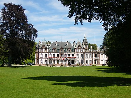 The Chateau de Pourtales (front side) in the park of the same name Absolute Chateau de Pourtales 01.JPG