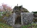 Accès au rocher de la Vierge à Saint-Urcize.jpg