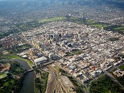 Luftfoto over byens centrale deler.
