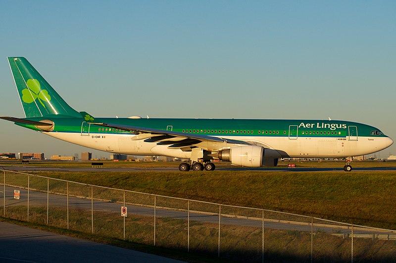 "File:Aer Lingus Airbus A330-200 EI-EWR ""Tomás"" (23613272238).jpg"