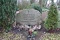 Agnes Kraus - Waldfriedhof Kleinmachnow - Mutter Erde fec.JPG