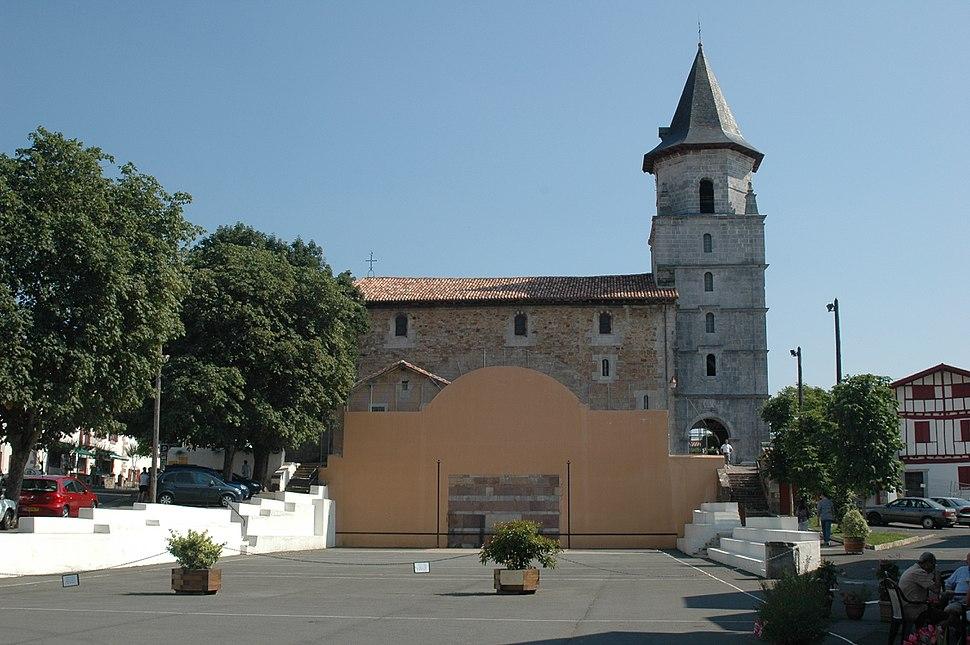 Ainhoa fronton et église