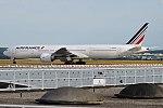 Air France, F-GSQV, Boeing 777-328 ER (34954709173).jpg