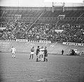 Ajax tegen Benfica 2-1, Incident tussen Schrijvers en Benfica keeper Costa Perei, Bestanddeelnr 917-7448.jpg