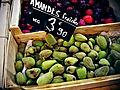 Amandes au marché de Cavaillon.jpg