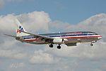 American Airlines Boeing 737-800 N885NN (15804644333).jpg