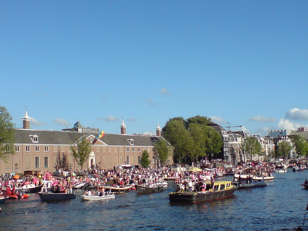 File:Amsterdam Gay Pride 2013 052.jpg - Wikimedia Commons: https://commons.wikimedia.org/wiki/File:Amsterdam_Gay_Pride_2013...
