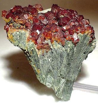 Hedenbergite - Hedenbergite with andradite garnet from the Cyclades