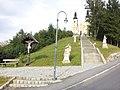 Angelus-Stiege mit Skulpturengruppe und Kruzifix 2011-09-14 16.22.42.jpg