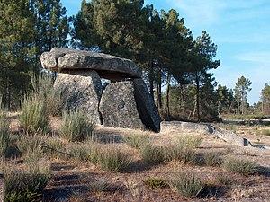 Alijó - The Anta da Fonte Coberta, a funerary dolmen in the parish of Vila Chã