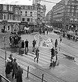 Anti-A-bommars in Amsterdam Op de Munt, Bestanddeelnr 913-3564.jpg