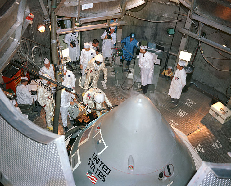 File:Apollo 1 crew prepare to enter their spacecraft in the altitude chamber at Kennedy Space Center.jpg