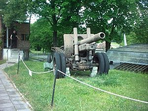 152 mm howitzer-gun M1937 (ML-20) - ML-20 in Poznań Citadel, Poland.