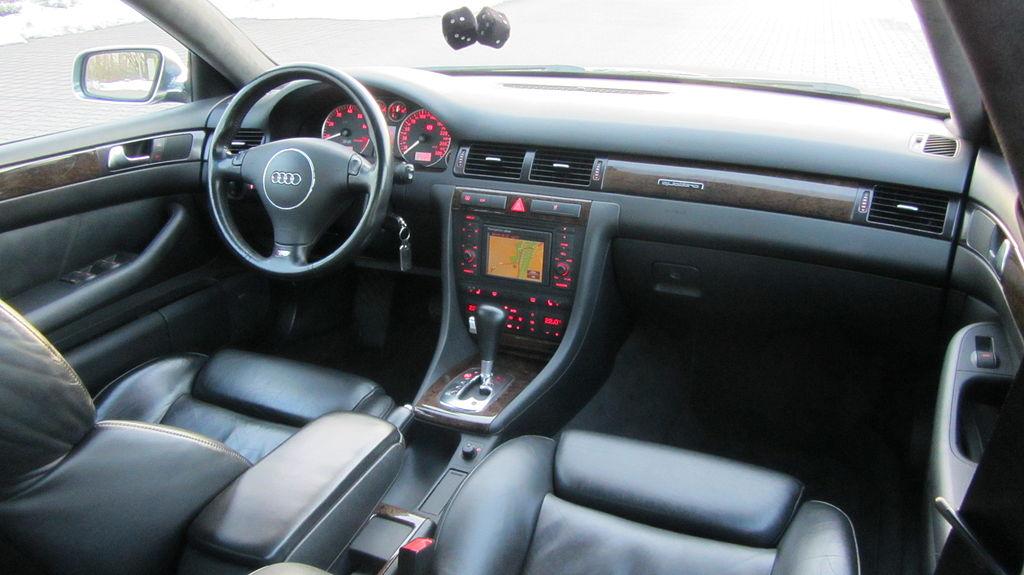 File:Audi S6 4B Interieur.JPG - Wikimedia Commons