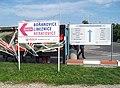 Autobusové stanoviště Nádraží Holešovice, navigační tabule.jpg