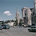 Avignon Gezicht op de kerk Notre Dame des Doms en het paleis van de pausen, Bestanddeelnr 255-9949.jpg