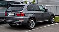 BMW X5 (E70, Facelift) – Heckansicht, 1. Mai 2012, Wülfrath.jpg
