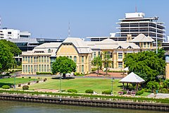 Bang Khun Phrom Palace from Rama VIII Bridge.jpg