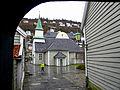 Bergen - Sankt Jørgen kirke fra portoverbygget i Hospitalsgangen.jpg