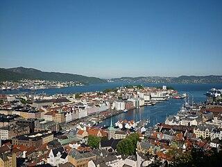 Bergen in the morning in june.JPG