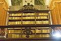 Biblioteca del Seminario.Scaffale della lettera I luce naturale.jpg