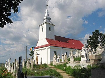 Biserica Sfânta Treime din Mândra (11).jpg