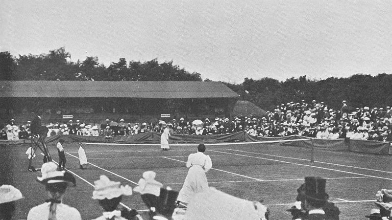 File:Blanche hillyard vs charlotte cooper sterry at the 1901 Wimbledon final.jpg