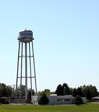 Boardman Chamber of Commerce and water tower in Boardman Oregon.jpg